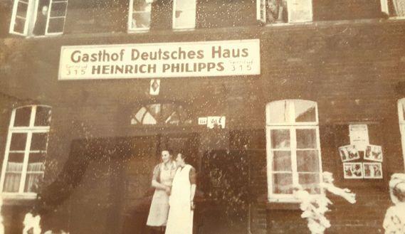 Portrait Teams Deutsches Haus